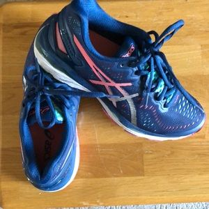 Size 8 Asics gel kayano running shoes